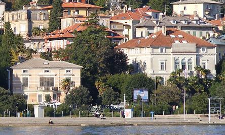 Morski pogled na opatijske vile Keglević