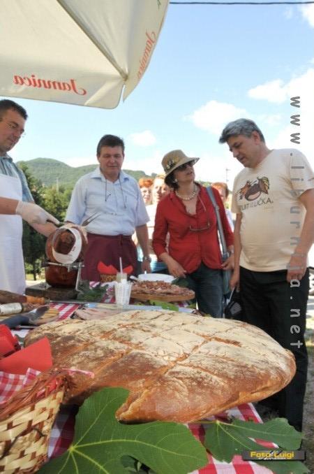 Liburnija.net: Na prošlotjednom predstavljanju Istarske županije u Njemačkoj, Zdravi mesni proizvodi Bregi našli su se na trpezi kojom je predstavljena gastronomska ponuda Istre.