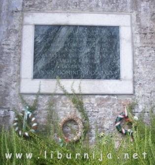 Liburnija.net: Spomen ploča nasuprot ulaza vile Minach @ Volosko