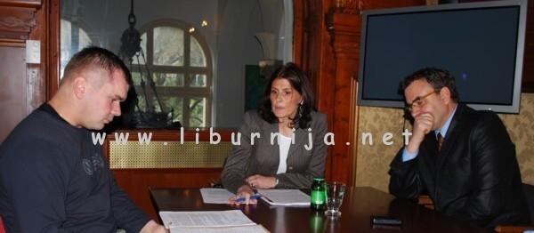 Liburnija.net: Etički odbor - Igor Puž, Suzi Petričić i Viktor Peršić @ Opatija