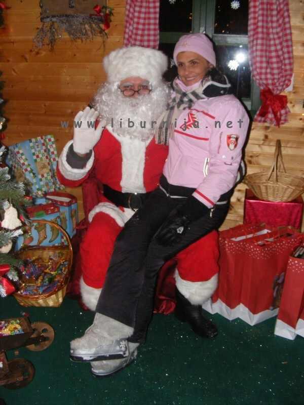 Liburnija.net: Djed Božićnjak i Suzi Petričić @ Poklon