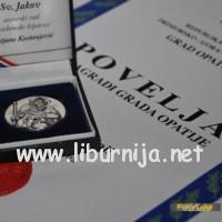 povelja_medaljon_sm