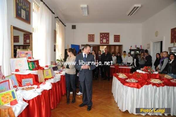 Liburnija.net: Izložba likovne radionice Grad DND Opatija @ Ugostiteljska škola
