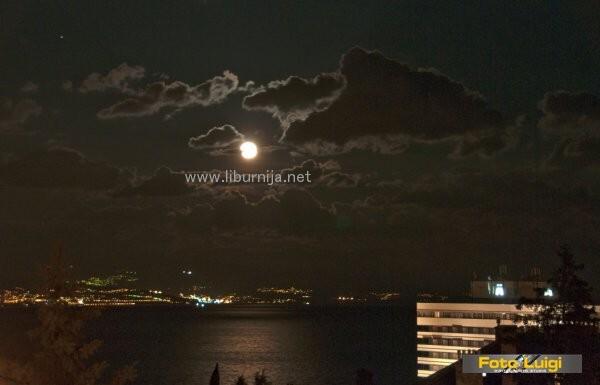Liburnija.net: Noćas je k'o lubenica pun mjesec iznad Opatije…