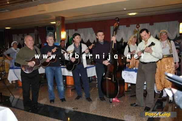 Liburnija.net: Glazbenici iz Folklornog ansambla Zora @ Pusni maneštra fest, Opatija