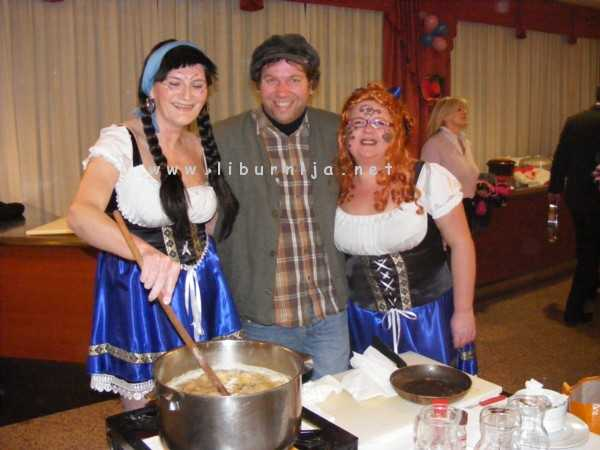 Liburnija.net: Treće mjesto - Članice ženske klape Volosko i Salpa @ Pusni maneštra fest, Opatija