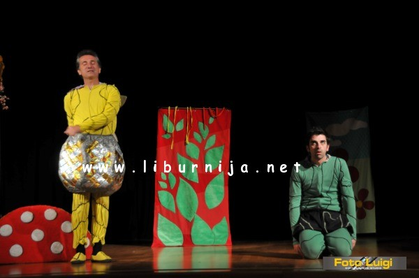 Liburnija.net: Mala zelena gusjenica… @ Opatija