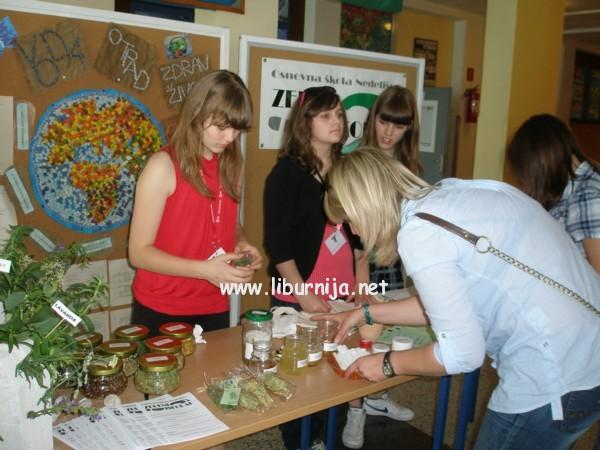 Liburnija.net: Štand s eko proizvodima Osnovne škole iz Nedelišća @ Opatija