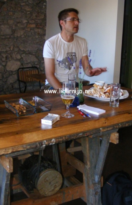 Liburnija.net: Stari cirkular pretvoren u stol @ Volosko
