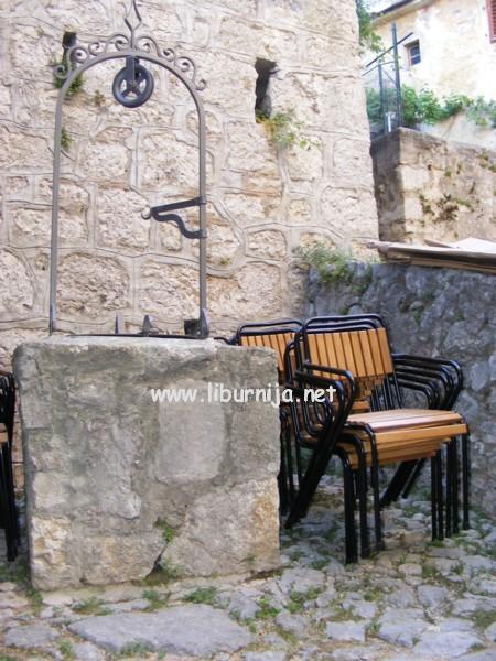 Liburnija.net: Komadić reciklirane opatijske povijesti @ Volosko