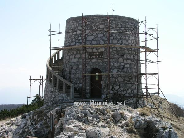 Liburnija.net: Renoviranje Kule (suvenirnice i info punkta) na Vojaku @ Učka