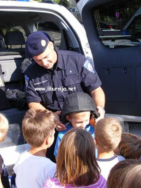 Liburnija.net: ...svi su htjeli nositi policijski šljem @ Slatina