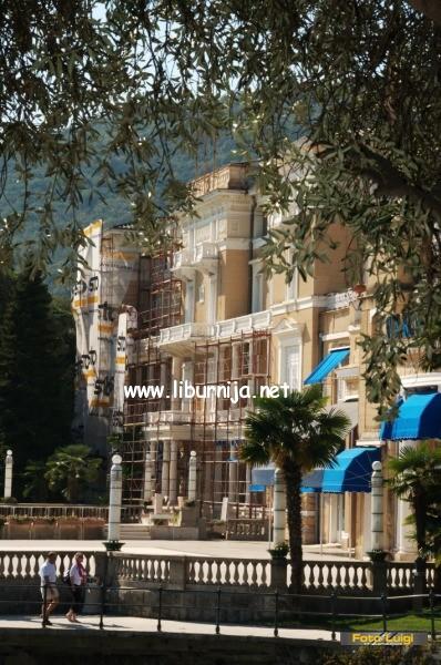 Liburnija.net: Fasada 'okupirana' skelom @ Opatija