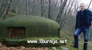 Vladimir Tonić kod bunkera 'ispod Gašpari'