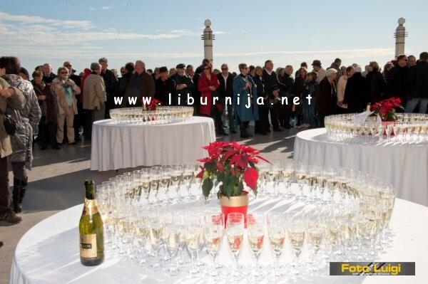 Liburnija.net: Novogodišnja čestitka @ terasa hotela Kvarner, Opatija