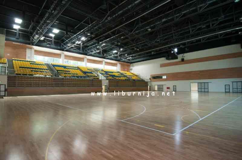 Arhiva Liburnija.net: Pogled na tribine nove sportske dvorane...