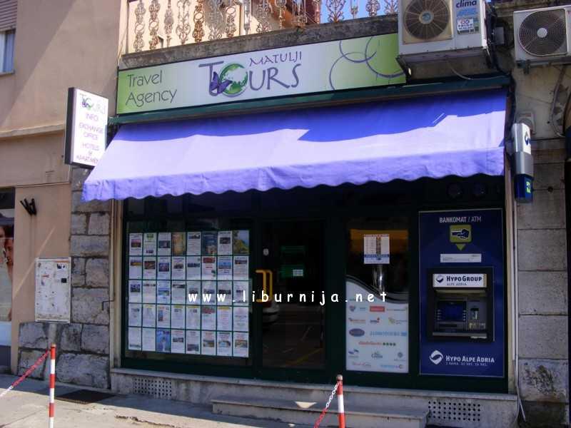 """Putnička agencija ''Matulji tours"""" nalazi se na adresi Trg M. Tita 3"""
