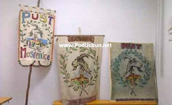 Pusne bandijere kroz povijest... Nova bandijera (skroz lijevo), prva bandijera (desno)...