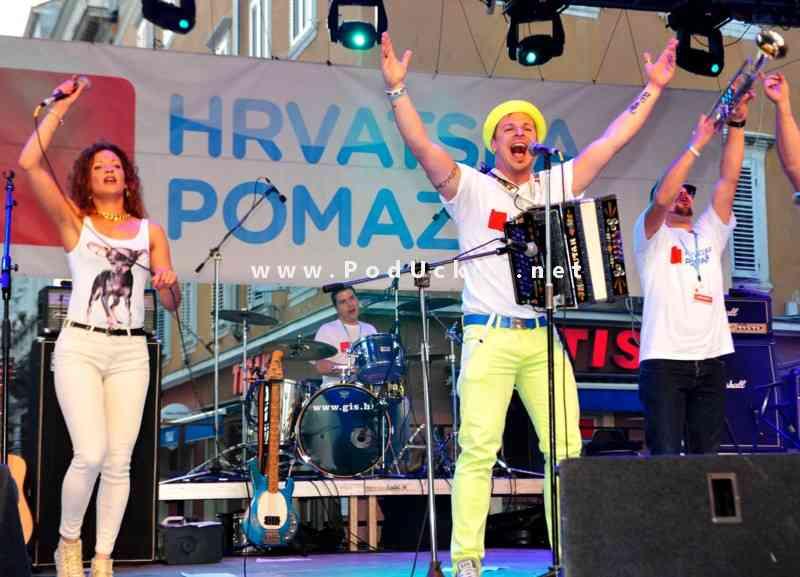 humanitarni_koncert_za_slavoniju_korzo_rijeka_2014 (4)