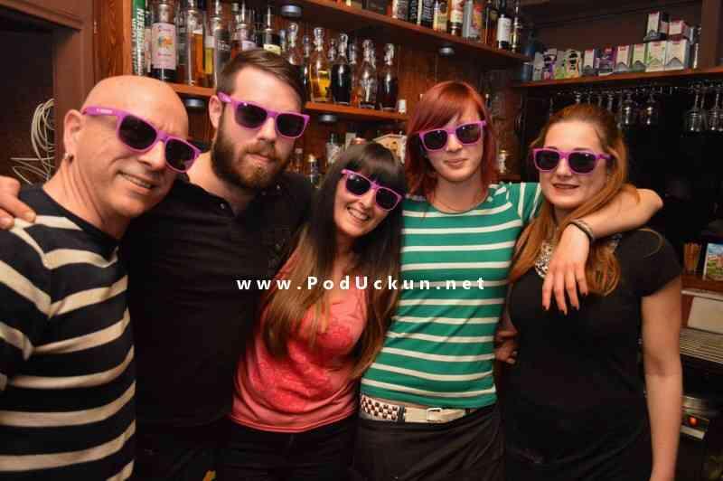 Old school pub ekipica...