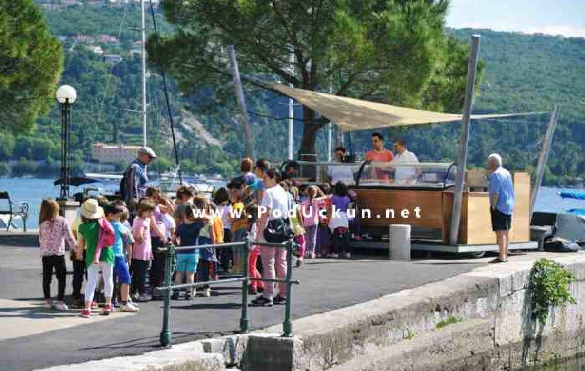 KonTiki Bar školarcima i vrtićarima poklanja besplatne sladolede