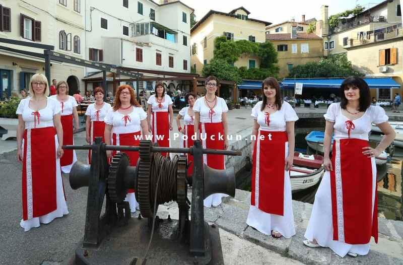Članice ženske klape Volsoko - na Mandraće