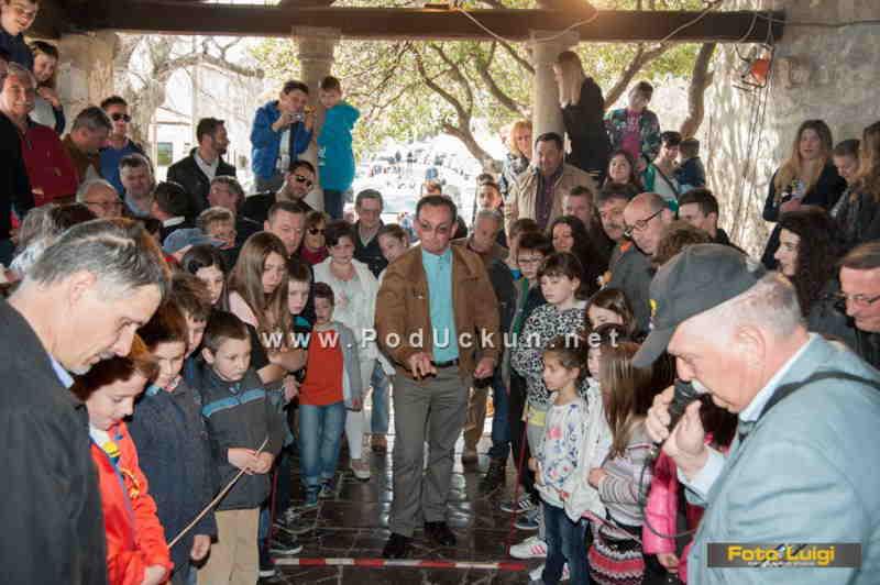 Tradicionalni turnir u picanju jaja održava se točno na Uskrs u podne @ Mošćenice