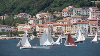 VIDEO 11. smotra i regata tradicijskih barki na jedra 'Mala barka' ovog vikedna u Mošćeničkoj Dragi