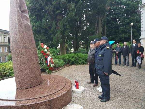 dan oslobodenja grada opatije 2017 delegacija groblje (1)