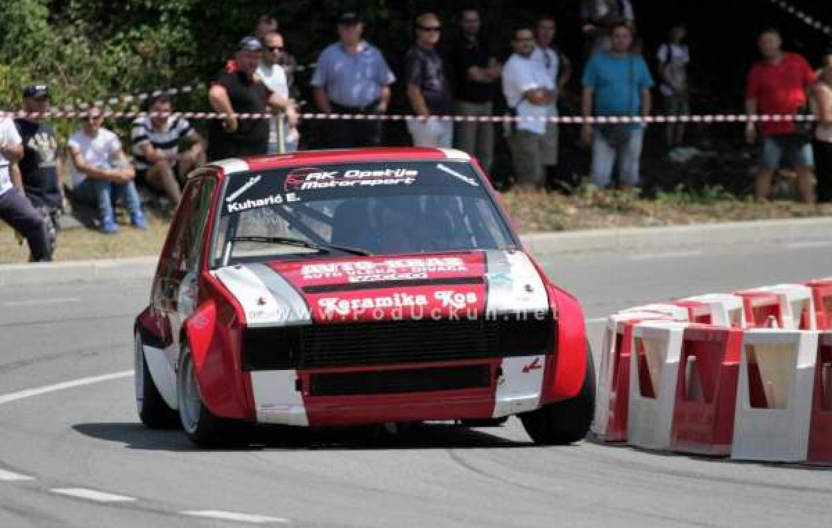HAKS Kup Formula driver – Kuharić brani vodstvo