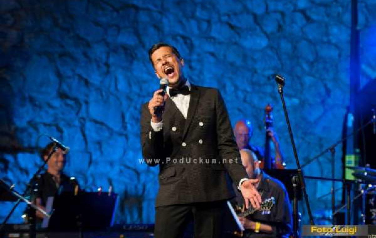 Marko Tolja u četvrtak nastupa na najljepšoj opatijskoj pozornici @ Hotel Milenij