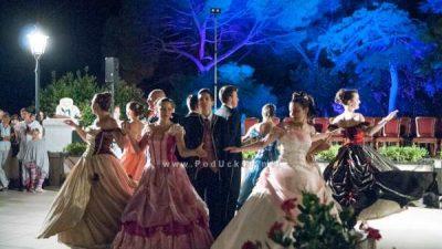 Vremeplov u doba romantike i raskoši: Carski grad ispunit će Opatiju glazbom, plesom, kočijama i krinolinama