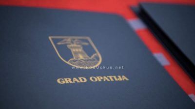 Grad Opatija stipendira 86 učenika i studenata