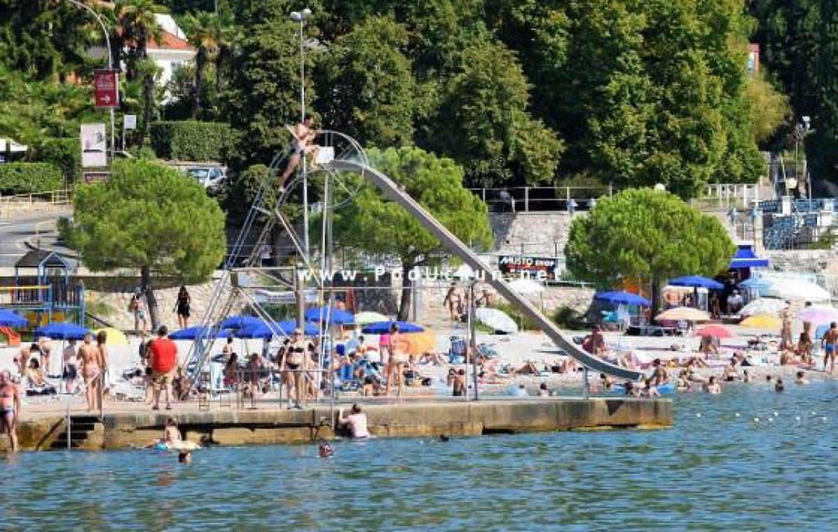 Borba za plažu – Supruga gradonačelnika Dujmića dobila 'izazivača' za koncesijsko odobrenje na plaži Ičići