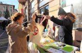 Dan protiv plastičnih vrećica – Zamijenite 20 plastičnih vrećica za platnenu vrećicu s porukom