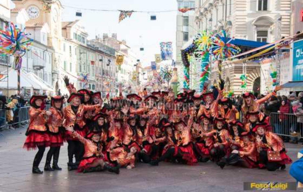 FOTO/FOTO 25. rođendan karnevalske grupe Opatijke 90-60-90