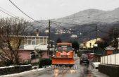 Slab snijeg pada u zaleđu, interventne službe na terenu