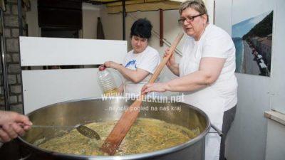 Počeli Gastro dani s okusom šparoga, u subotu vela fritaja, predavanje i zabava uz Trio Asi @ Mošćenička Draga