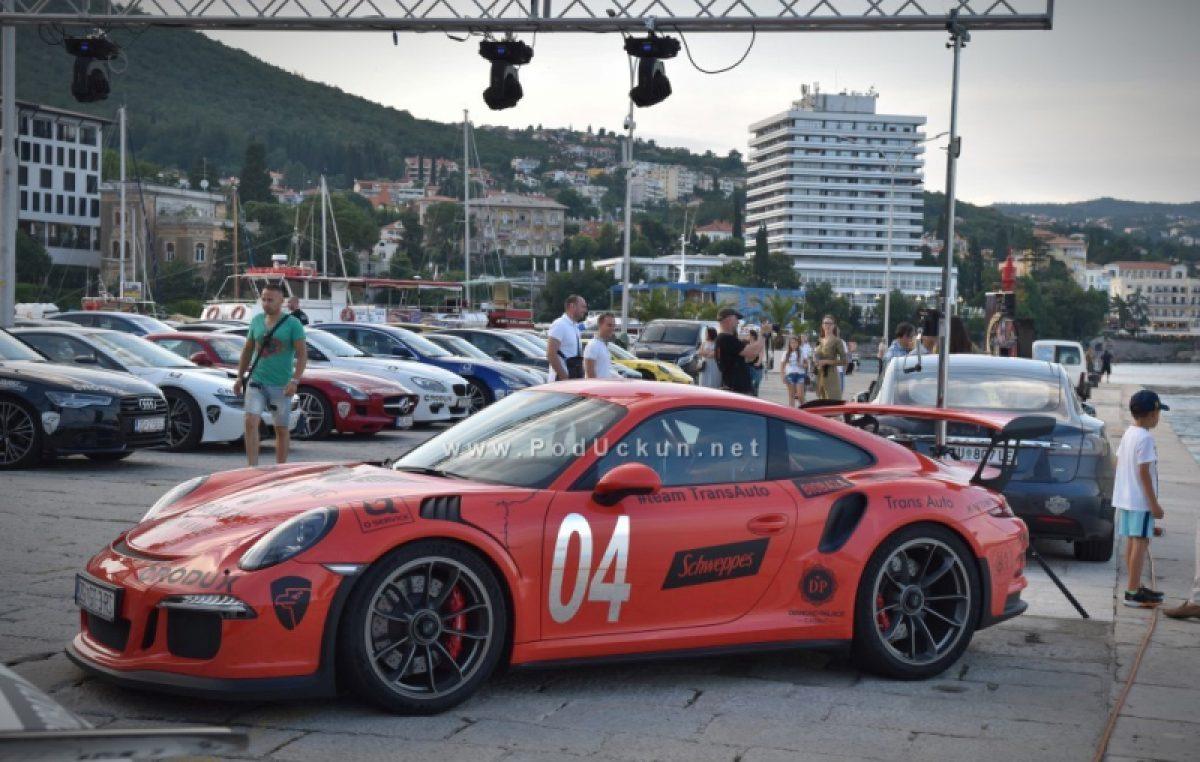 Luksuzni automobili u Opatiji – dođite i uživajte u fan zoni ispred hotela Ambasador!