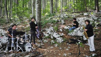 GIIPUJA po šternah va Kastve – Novi projekt Damjana Grbca spaja vrela života s glazbom