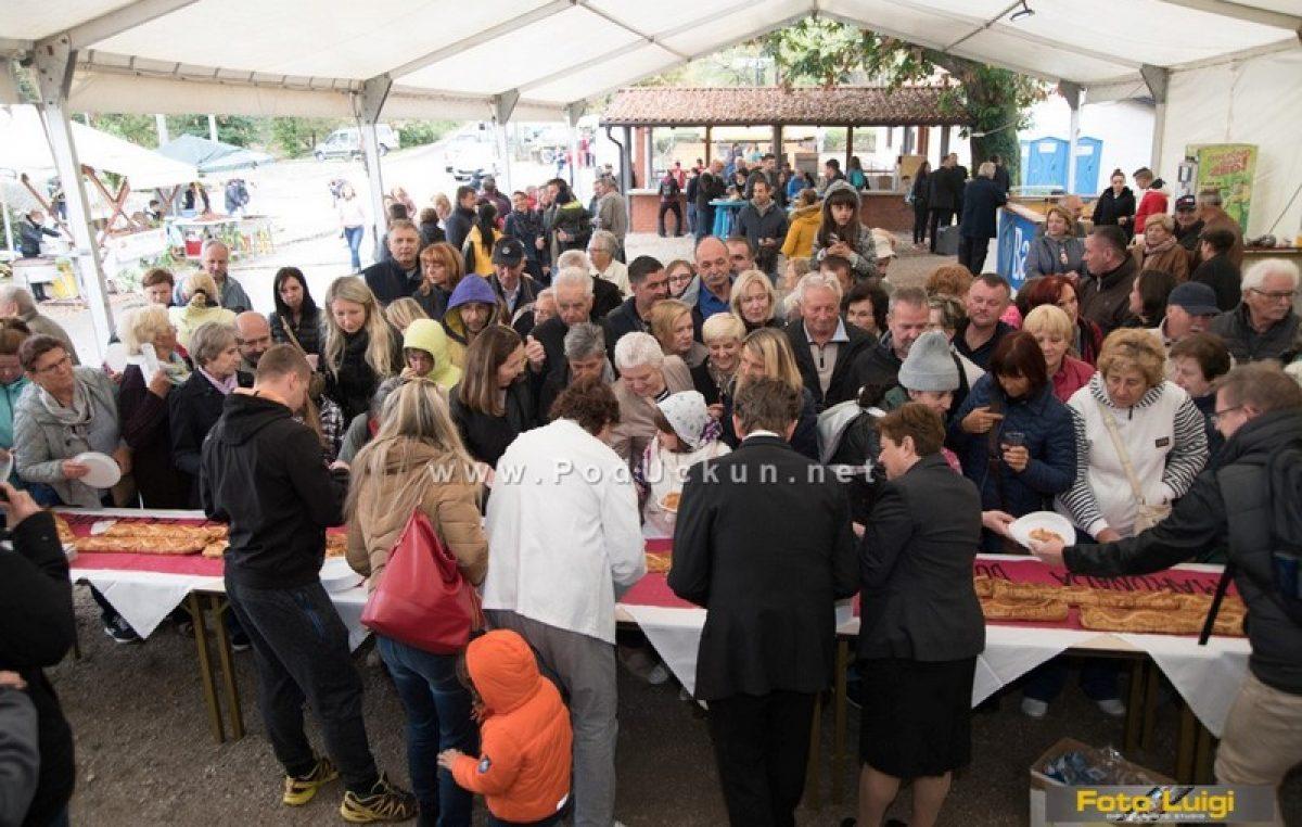 FOTO Marunada u Dobreću – Posjete autohtonim dobrećanskim konobama i bogat zabavni program obilježili jučerašnji program