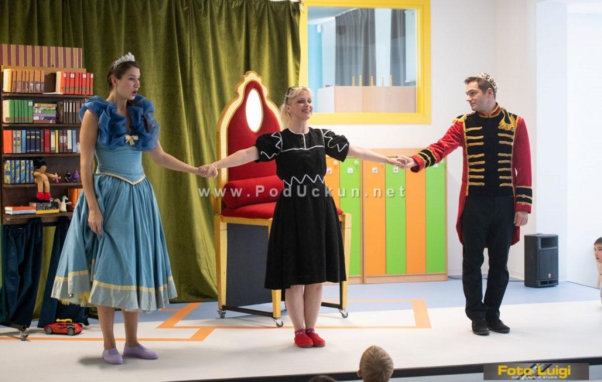 Komedijom o deficitarnom zanimanju – grobarima zaključen 7. Festival neovisnih kazališta @ Opatija