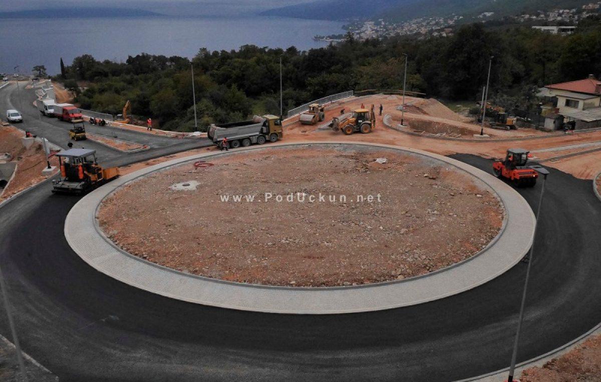 Počelo asfaltiranje novoizgrađenog rotora na Kuku
