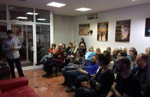 U OKU KAMERE: Filozofija planinarstva u fokusu predavanja Igora Eterovića @ Opatija Coffeehouse Debates