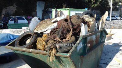 FOTO U Voloskom održana akcija čišćenja podmorja – Tridesetak volontera iz mora izvuklo tri tone otpada