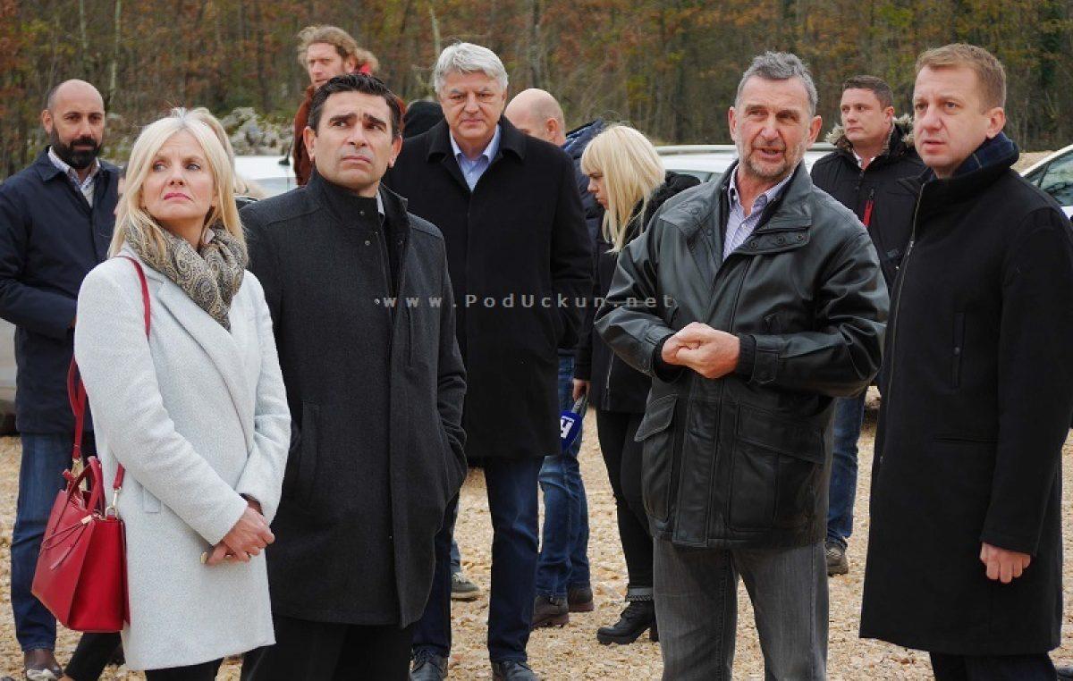 U OKU KAMERE Mario Ćiković:  Nadam se da ćemo iduće godine u ovo vrijeme prisustvovati otvorenju prve hale u Miklaviji