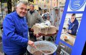 Etno-gastro manifestacija uz podjelu tradicionalnih jela koje će spraviti Kristian Kozmić te nastup FA Zora danas na Slatini