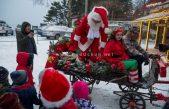 FOTO, VIDEO Božićna bajka u Parku prirode Učka: Omiljeni djedica stigao u svoju rezidenciju na Poklonu