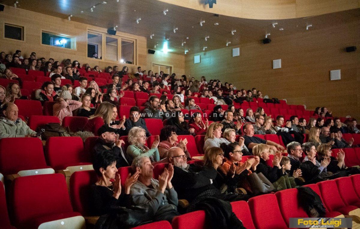 Održana tradicionalna božićna priredba Gimnazije Eugena Kumičića