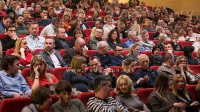 """U OKU KAMERE: Humanitarna izvedba predstave """"Muškarci su s Marsa, žene su s Venere"""" ispunila Gervais @ Opatija"""